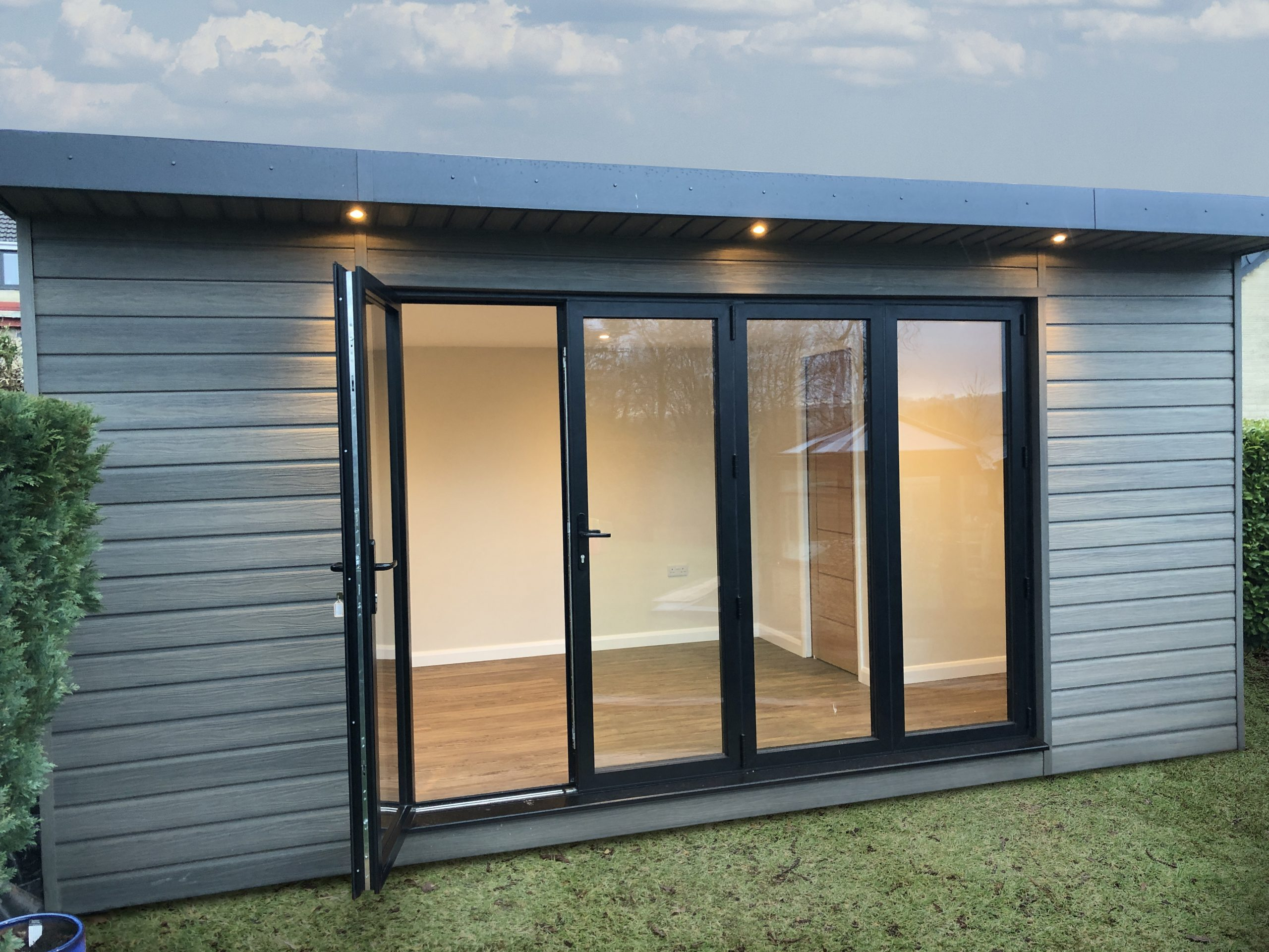 Read more about the article How to Choose the Perfect Garden Room