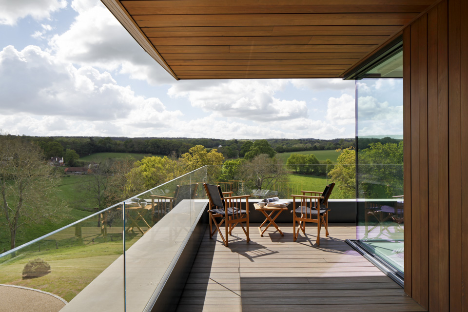 Read more about the article Bringing the Indoors Outdoors – How we can Help you to Create the Perfect Outdoor Living Space!